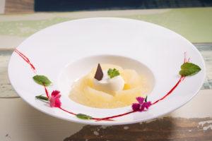 chef's V 横浜ランドマークタワー店のフルーツたっぷりなデザート