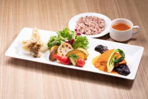 みなとみらいで野菜たっぷりのランチを味わうなら【chef's V 横浜ランドマークタワー店】へ