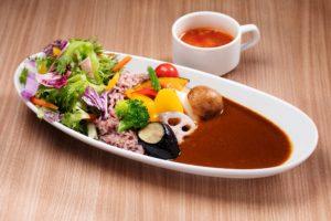 みなとみらいで野菜が味わえるイタリアン【chef's V 横浜ランドマークタワー店】